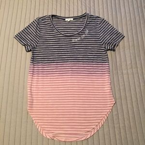 Maurices T-shirt Size Medium